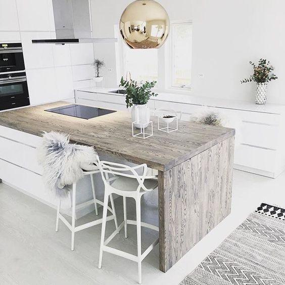 colore bianco e legno