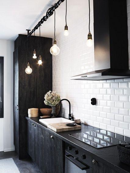cucina di colore nero