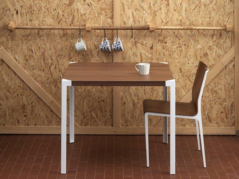 Tavolo Da Pranzo Ovale Legno: Tavoli da pranzo in legno o metallo: tanti stili per arredare.