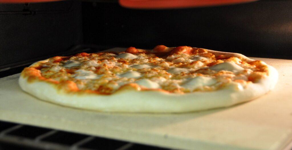 Pietra refrattaria come si usa e modelli in commercio - Pietra refrattaria da forno per pizza ...