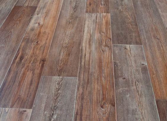 Linoleum pavimenti: prezzi ed esempi di finto legno con foto