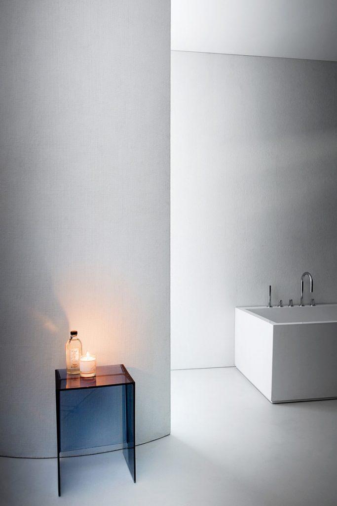 Kartell bagno accessori e mobili molto colorati da scoprire for Sgabello bagno design