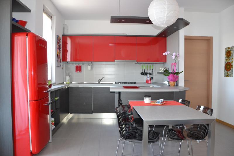 Colore grigio nell 39 arredo della casa tutti gli - Che colore dare alle pareti di casa ...