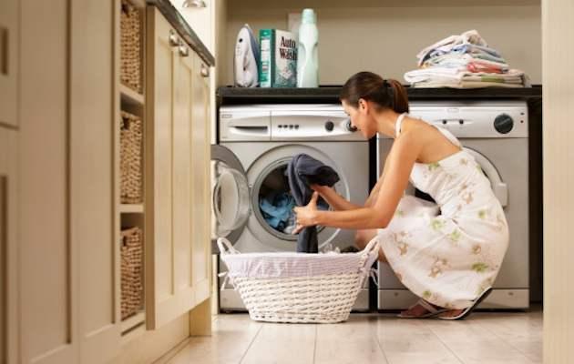 Come eliminare i cattivi odori dalla lavatrice
