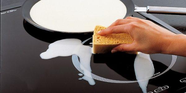 Come pulire il piano cottura a induzione