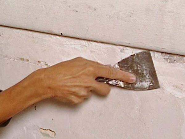 Come levare la vecchia pittura dai muri