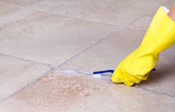 Come pulire le fughe dei pavimenti e piastrelle consigli pratici - Pulire fughe piastrelle aceto ...