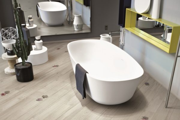 Parquet in bagno scopriamo i vantaggi ed punti a sfavore di questa scelta designandmore - Bagno con parquet ...
