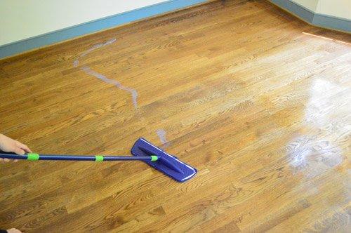Come togliere la cera dai pavimenti tutti i nostri - Pulizia tappeti ammoniaca ...