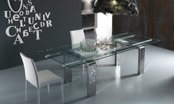 Riflessi mobili tavoli sedie ed altri complementi di for Riflessi arredamento