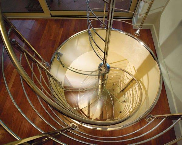 Marretti scale signa selezione di scale a chioccola dal for Quadrato della scala a chiocciola