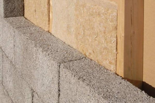 Tutto sulla fibra di canapa, materiale isolante ecosostenibile utilizzato in edilizia