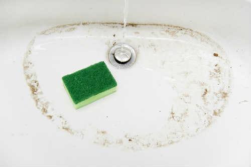 Vasca Da Bagno Smalto Rovinato : Come lucidare la vasca da bagno consigli pratici da seguire