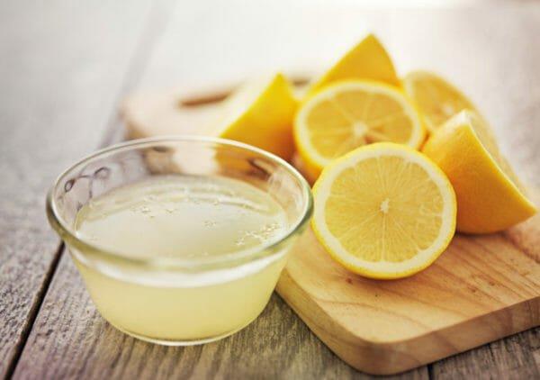 Limone per togliere il calcare dal ferro da stiro