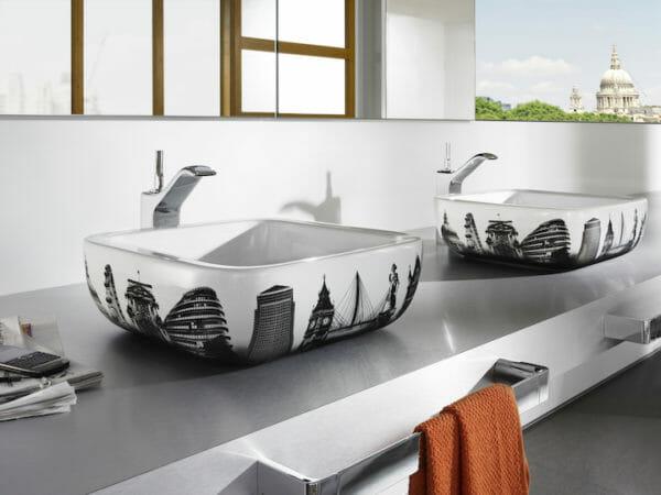 Photo of Roca: accessori, piastrelle e arredo bagno dalla Spagna