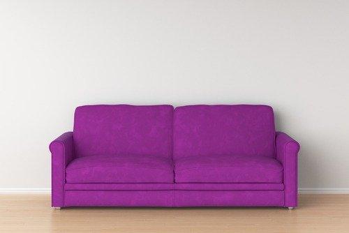 divano in colore fucsia