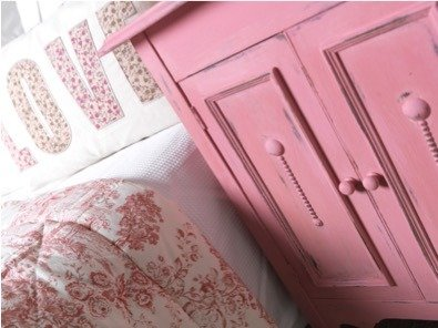 Mobile in colore rosa antico