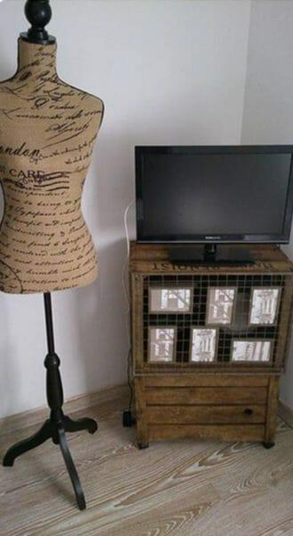 Carrello porta tv per non sbagliare seguite i nostri consigli designandmore arredare casa - Porta tv originali ...