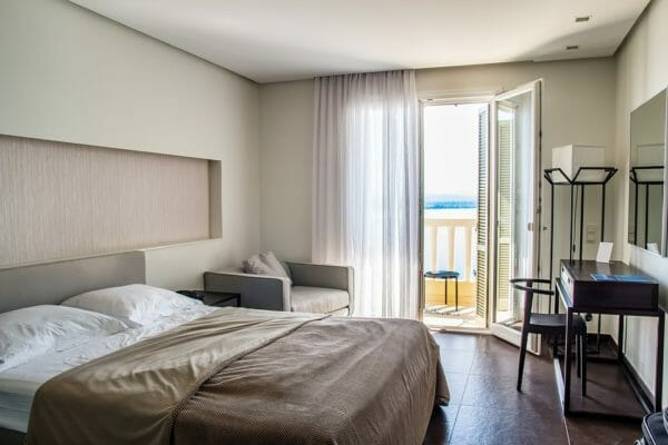 camera da letto colore sabbia