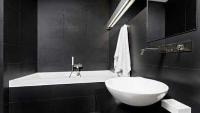 Bagno bianco e nero minimalista