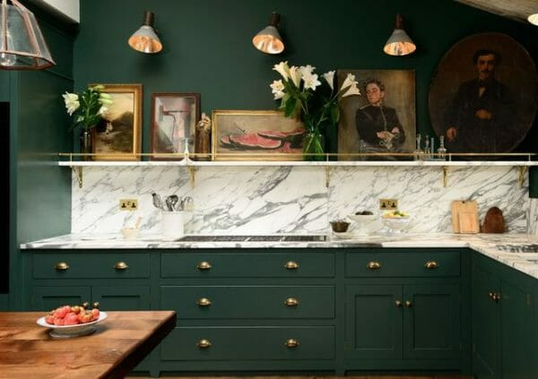 cucina in colore verde scuro