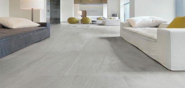 Pavimento moderno in gres grigio chiaro