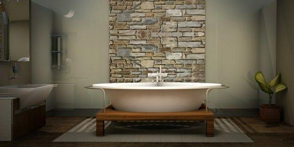 Bagno con pareti in colore crema