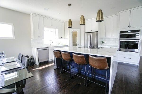 Esempio di Cucina in marmo