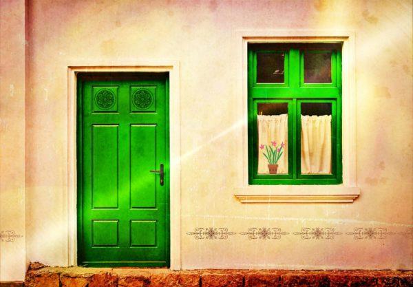 porte di casa verdi