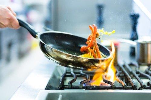 evitate di cucinare se è troppo caldo